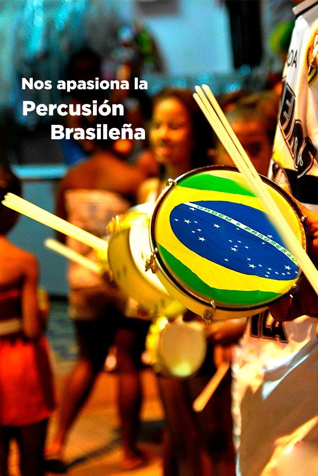 Apasionados por los instrumentos de percusión brasileña